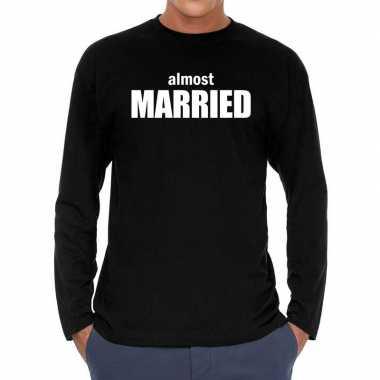 Almost married vrijgezellen long sleeve t-shirt zwart heren