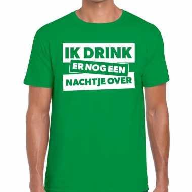 Ik drink er nog een nachtje over tekst t shirt groen heren