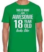Awesome year jaar cadeau t-shirt groen heren
