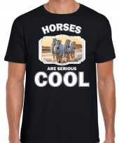 Dieren wit paard t-shirt zwart heren horses are cool shirt